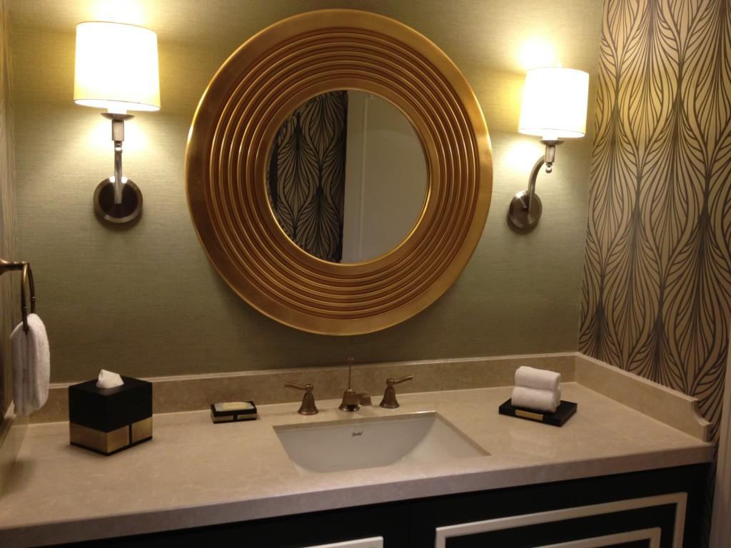 Half bath vanity/sink.